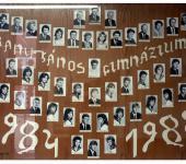 4.B osztály tablója 1984-1988-ből (Fotózott tabló)