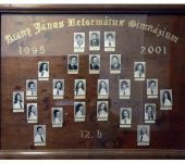 12.B osztály tablója 1995-2001-ből (Fotózott tabló)