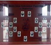 12.B osztály tablója 1998-2002-ből (Fotózott tabló)