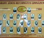 12.A osztály tablója 1998-2004-ből (Fotózott tabló)