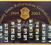 12.D osztály tablója 1999-2003-ből (Fotózott tabló)