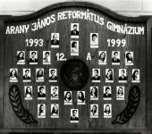 12.A osztály tablója 1993-1999-ből (Szkennelt tablókép)