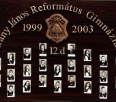 12.D osztály tablója 1999-2003-ből (Szkennelt tablókép)